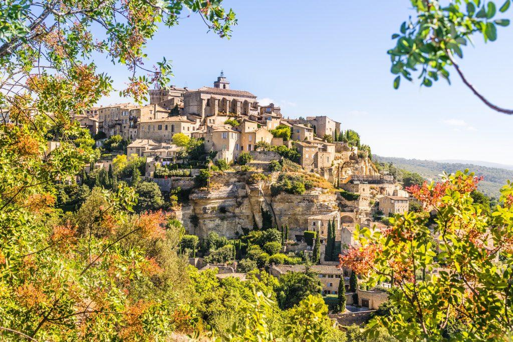 Vue du village de Gordes dans le Vaucluse